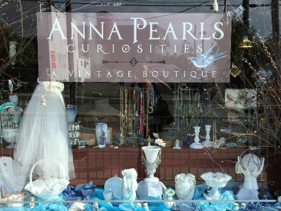 Anna Pearls Curiosities