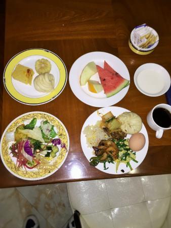 Orient Dynasty Hotel : 私が食べた朝食ヴァイキングです。
