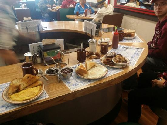 The Coffee Pot Restaurant: Great meal two thumbs up �� ��