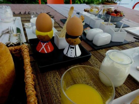La Maison sur la Sorgue - Esprit de France: Breakfast!