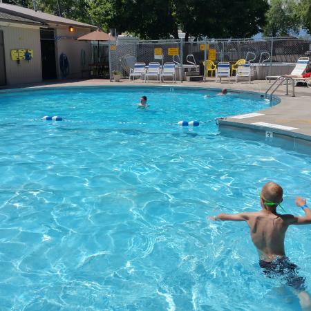 Missoula KOA: Nice warm  pool