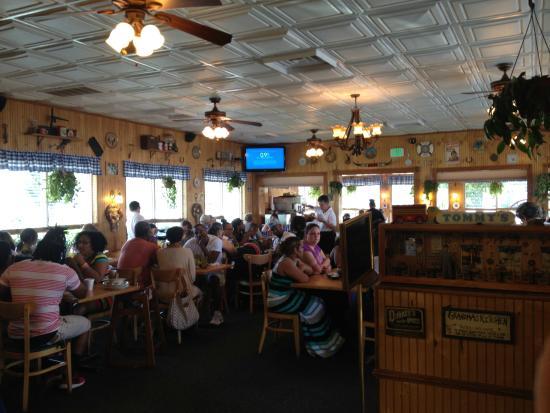Inside Restaurant Picture Of Tommy S Restaurant Hampton