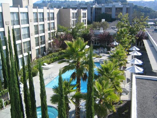 Four Points by Sheraton San Rafael: Pool Area