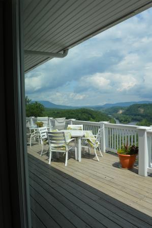 Pearisburg, VA: The deck.