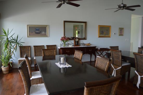 Pearisburg, Вирджиния: The dining room