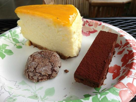 Short & Sweet Bakery & Cafe: Lilikoi cheesecake, kohala crunch, and chocolate truffle cookie