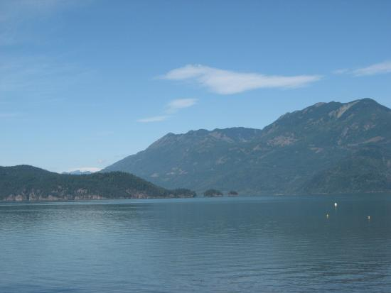 Harrison Lake & Hot Springs: Spectacular scenery!