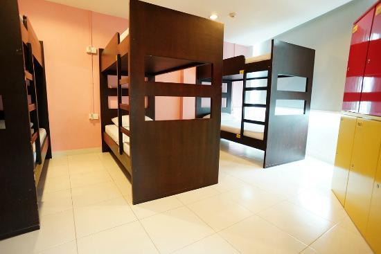 G4 Station: 6 bed dorms