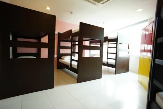 G4 Station: 8 bed droms
