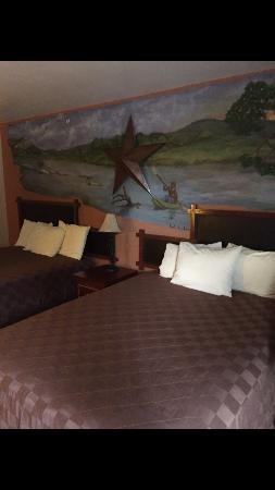 Americas Best Value Inn - Legends Inn: Double QUEEN