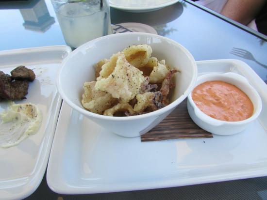 Photo of American Restaurant Ringside Grill Glendoveer at 14021 Ne Glisan St, Portland, OR 97230, United States