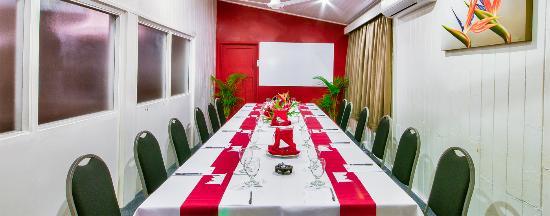 Tanoa Rakiraki Hotel: Conference Room