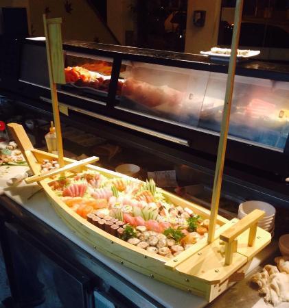 Senkai Sushi: Excelente pedida , Combinado Titanic.