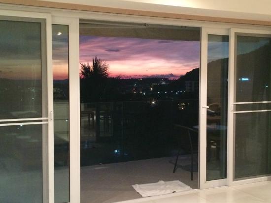 Santosa Wellness Center: Sunset from apartment