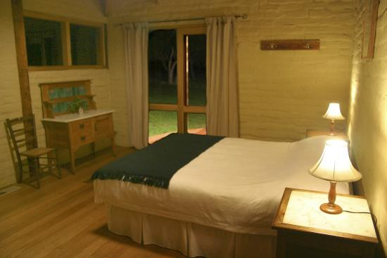 Oceania Tours & Safaris - Day Tours: Overnight stay at Great Ocean Road Eco Lodge