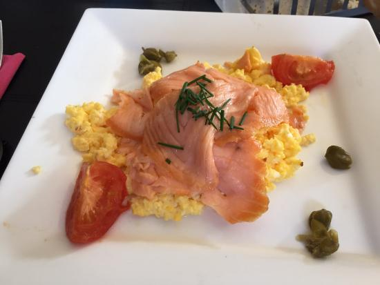 Twin Peaks B&B: Salmon and eggs... Delicious