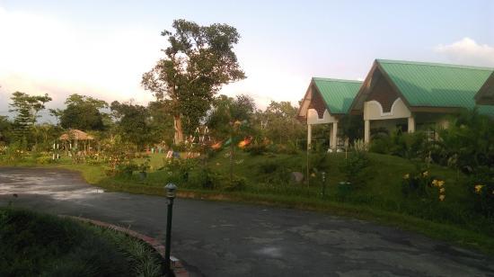 Padmini Resort: Resort entry