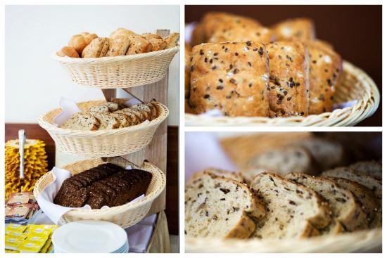Memel Hotel: Fresh Breakfast Bread served daily