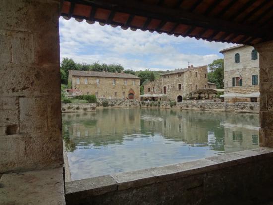 Come una cartolina - Picture of Terme Bagno Vignoni, Bagno Vignoni ...