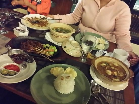 Puncak Pass Resort: At the Molinari cafe, for dinner