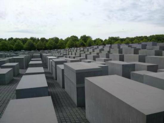 Private Tours Berlin: The Holocaust Memorial