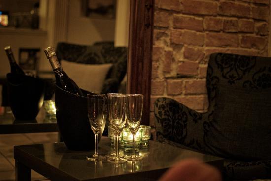 Sjuhelvets Gluggar -Restaurang & Bar
