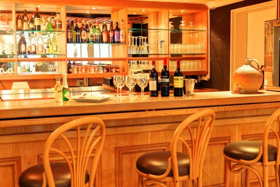 Protea Hotel by Marriott George Outeniqua: Bar