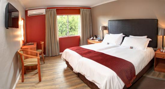 Protea Hotel George Outeniqua: Superior Twin