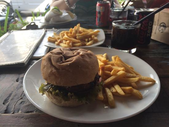 Soho Diner: It was beautiful food at cheap prices ... Great atmosphere. Well worth the visit to soho������