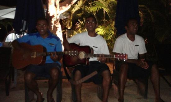 Lomani Wai at the Radisson Blu Resort: Our Muso's had us dancing in the pool at Lonami Wai