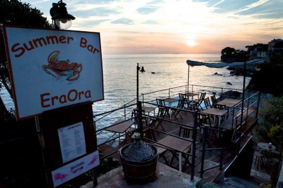 Eraora summer bar