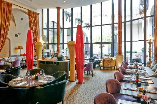 The Dominican: Grand Lounge restaurant
