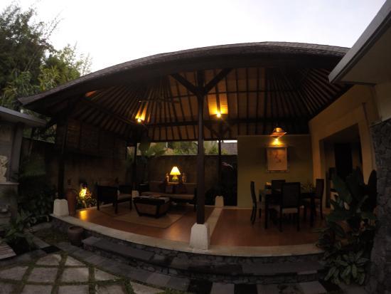 Foto The Sanyas Suite Seminyak