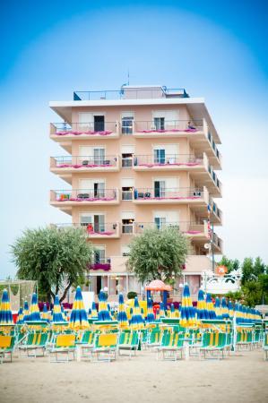 Hotel Piper: dalla spiaggia