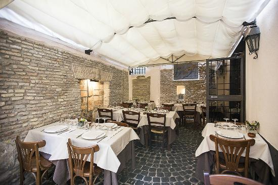 Photo of Italian Restaurant Osteria del Sostegno at Via Delle Colonnelle 5, Rome, Italy