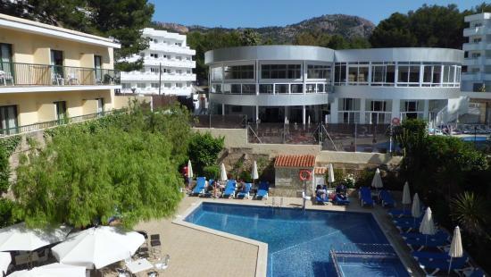 BQ Hotel Maria Dolores: Balkonaussicht zum Pool