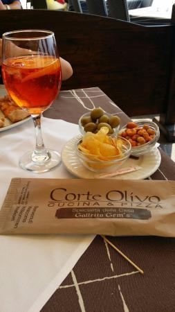 Corte Olivo: Ecco l'aperitivo!!!