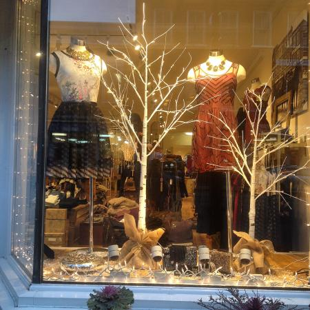Woodstock, VT: 37 Central Clothiers offers contemporary clothing lines, great jewelry and accessories in the he