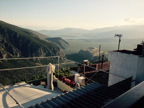 Sibylla Hotel: Another view across the valley