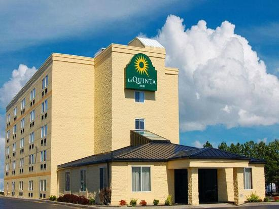 Radiance Inn And Suites: La Quinta Inn Rochester North