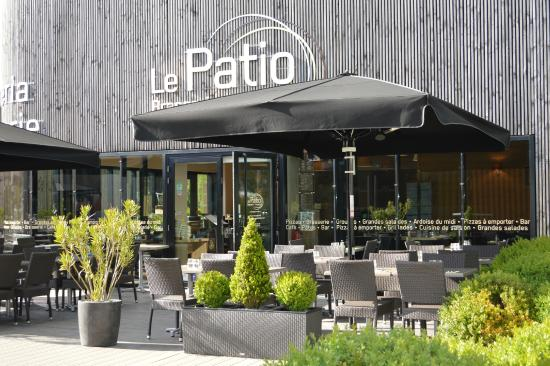 The 10 best restaurants near atoll cafe beaucouze for Restaurant le patio