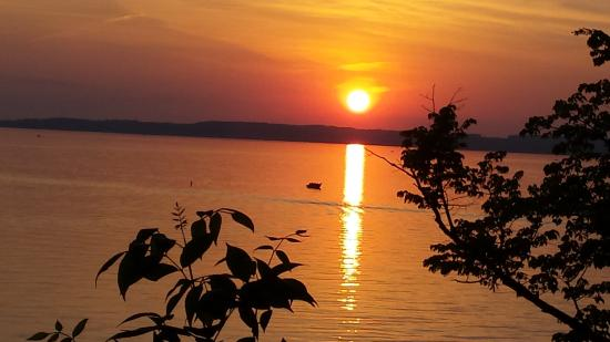 Woodland Resort on Lake Miltona: Gorgeous sunsets!