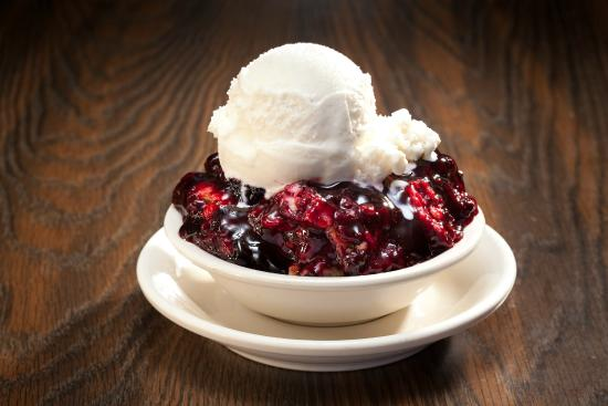 Lizard's Thicket: Blackberry Cobbler with Ice Cream