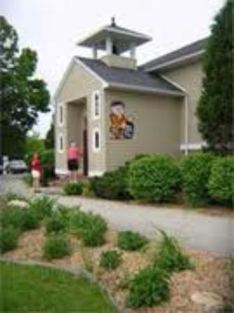 Door Peninsula Winery: Clean, pleasant and friendly staff.