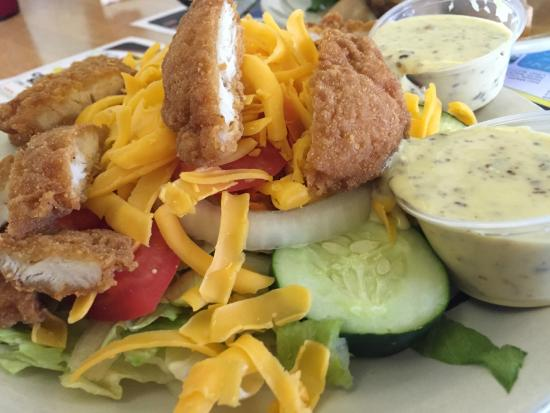 Mrs. Rowe's Restaurant and Bakery: chicken strip salad