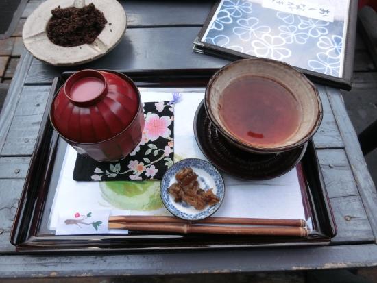 Miyoshiya: 和をテーマに。