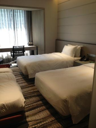 Carlton Hotel Singapore: Room was big enough for 3 beds and then some.