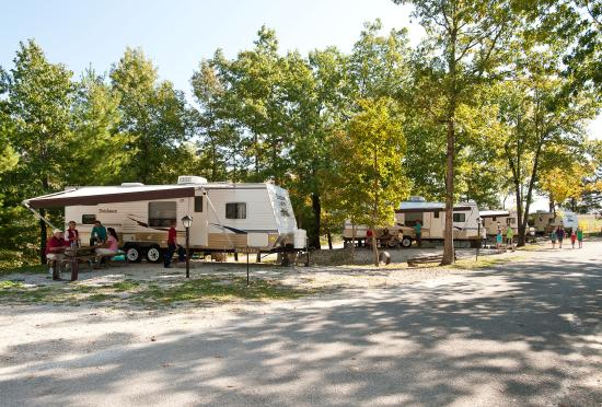 Silver dollar city 39 s wilderness 2018 reviews branson mo for Cabins near silver dollar city