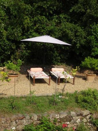 Bastide Valmasque: sunbeds