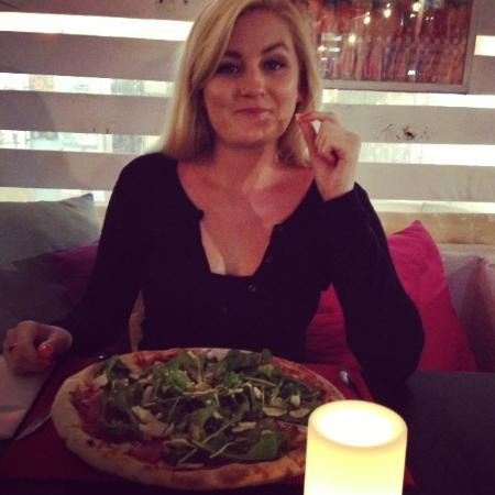 La Piazza, Restaurant - Pizzeria: Parma pizza